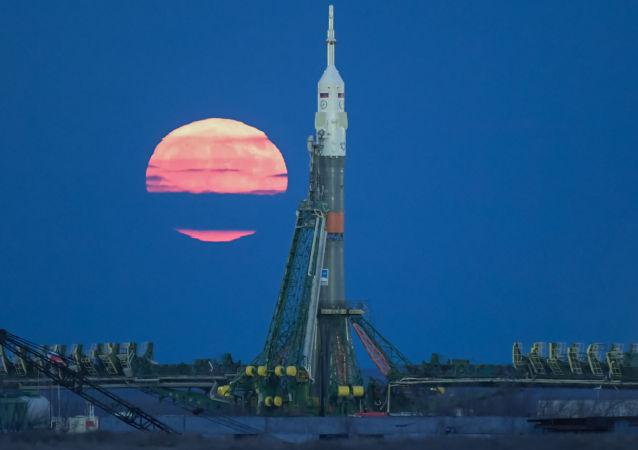 俄超重型探月飞行火箭的研制工作暂停