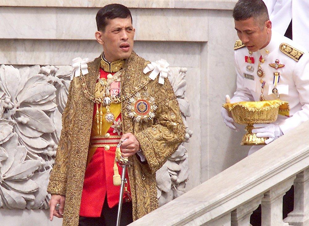 泰国王储玛哈·哇集拉隆功在泰国大皇宫的宝座大厅
