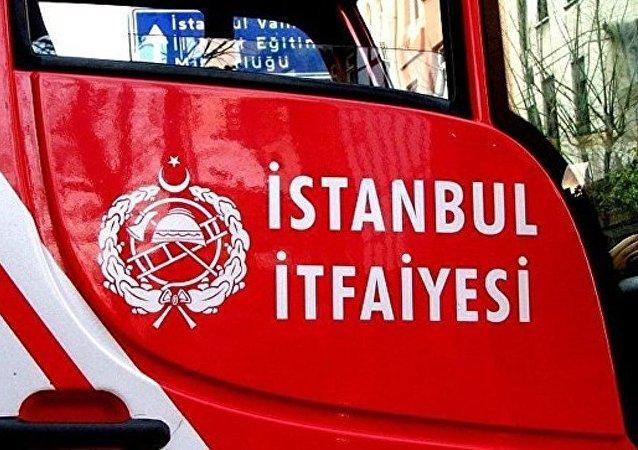 媒体:伊斯坦布尔附近油轮发生爆炸 有人受伤