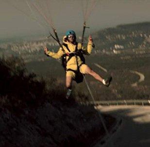 滑翔伞借力卡车起飞