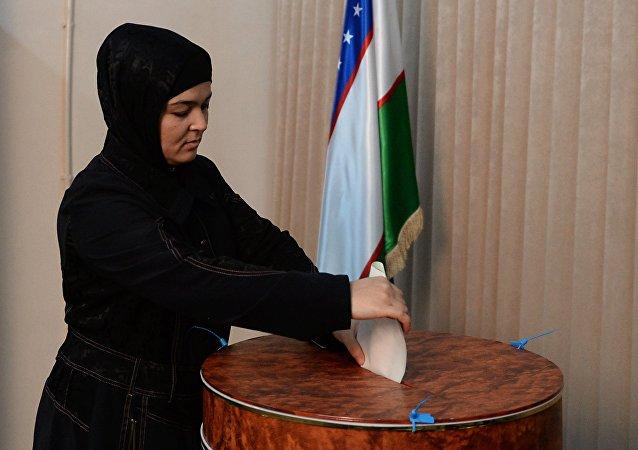 乌中选委:乌兹别克斯坦总统选举有效投票率已超过33%