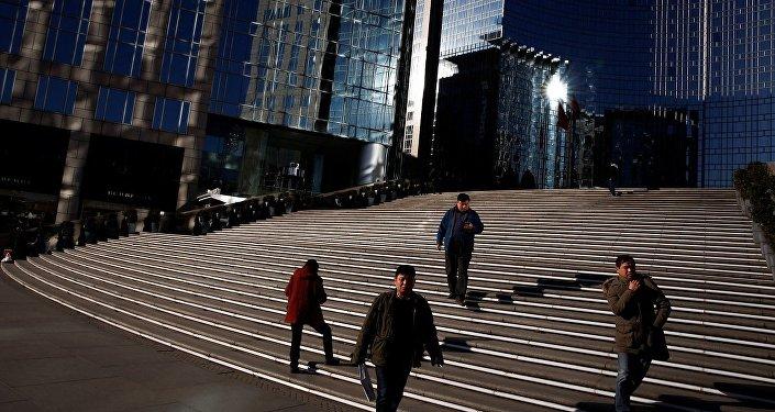 中国商务部:前十一个月中国对外投资额同比增长超55%