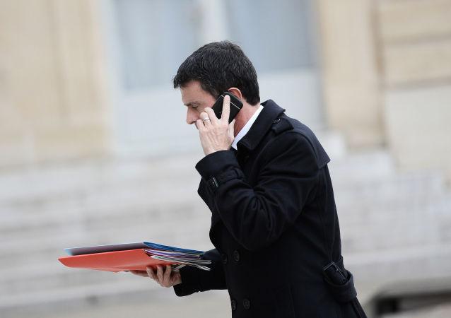 法国总理向法总统提交辞呈