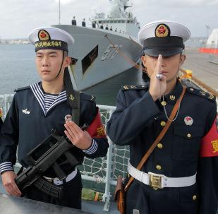 新輕型護衛艦進入中國人民解放軍海軍服役