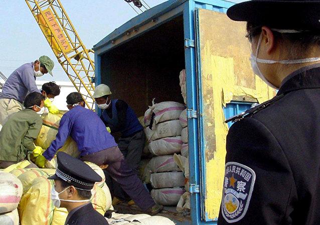 满洲里海关查获672公斤俄产中药材进境案