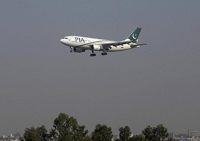 据媒体报道,一架载有47名乘客的飞机,在巴基斯坦赫韦利扬市附近失事