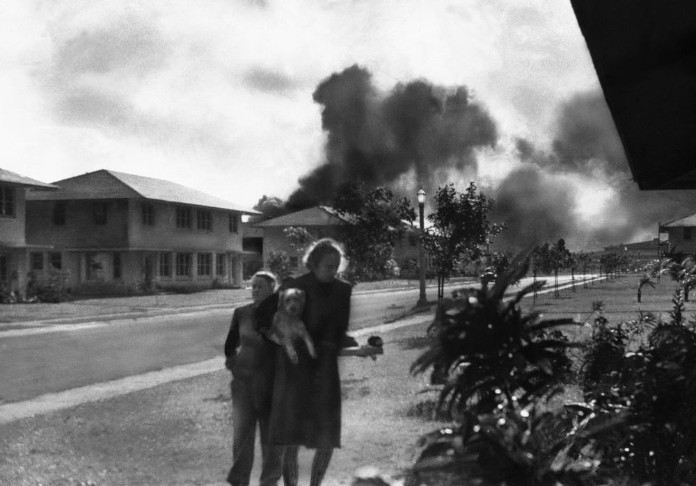 珍珠港遇袭时街上的美国军官夫人