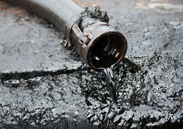 俄罗斯9月石油日产量降低34.6万桶
