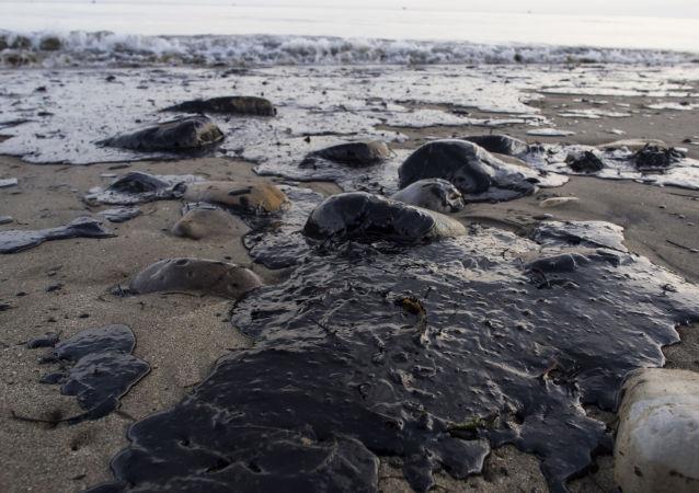 俄气公司和俄原子能集团计划研制激光系统清理漏油