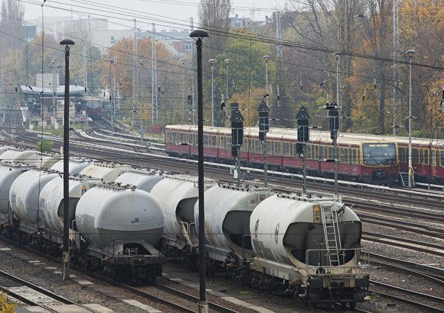 保加利亚货运列车脱轨造成4死20伤
