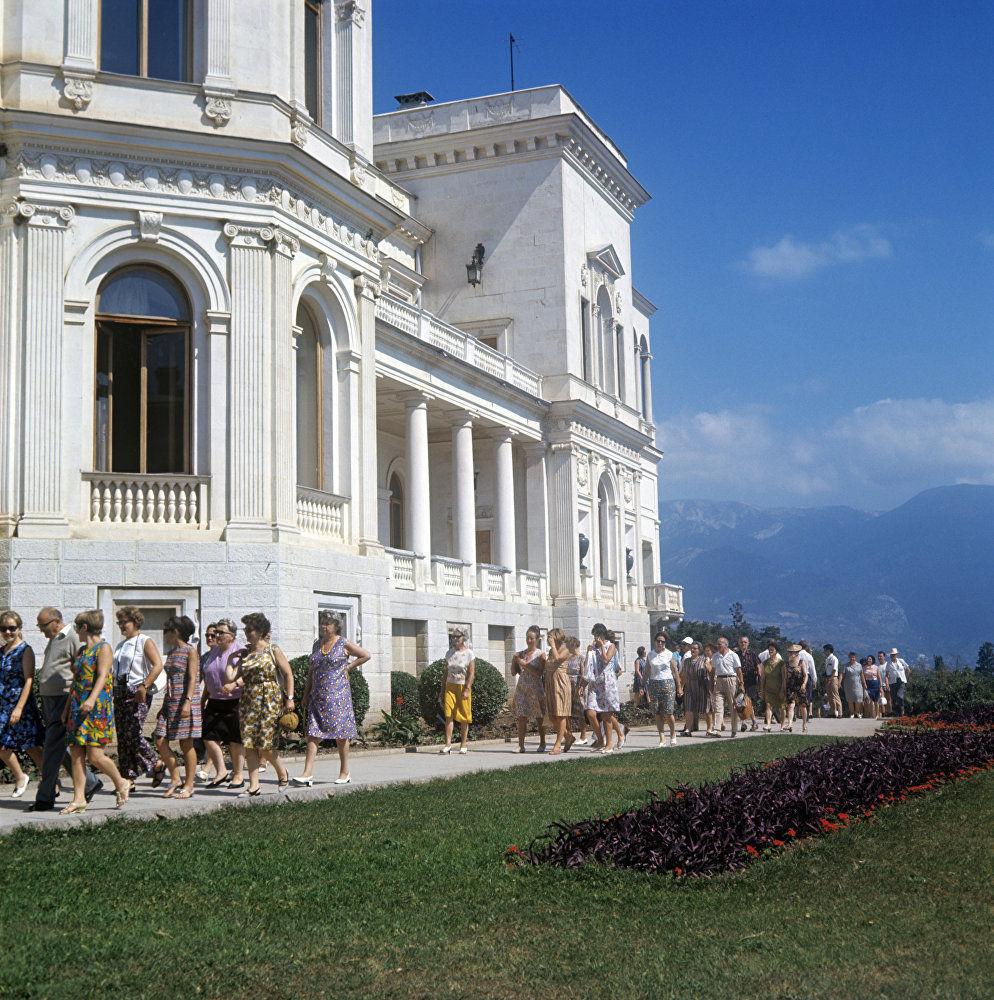 里瓦几亚宫,1969年。