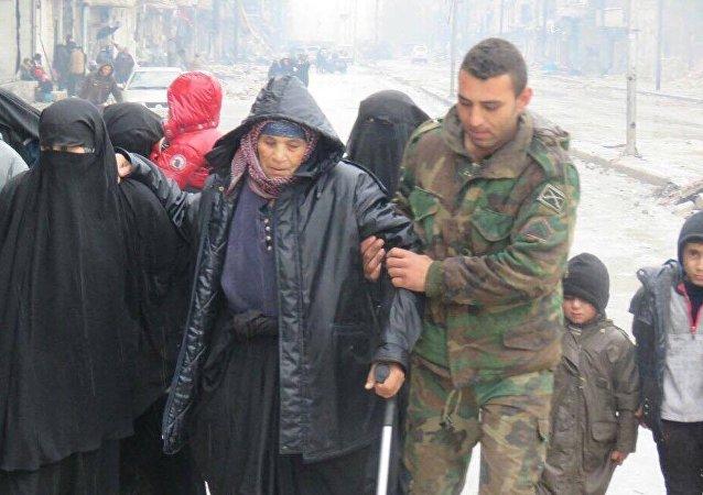 """阿勒颇停战中心代表:""""人们像迎接英雄一样迎接叙利亚军人们"""""""