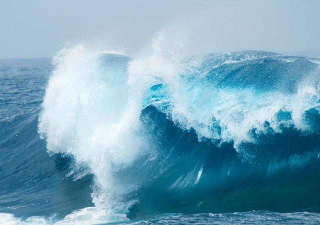 大西洋海浪高度达到历史纪录水平