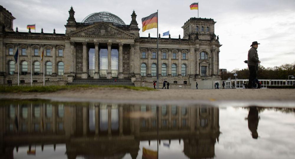 德另类选择党联合主席称该党将进行严格而有建设性的联邦议院在野党工作