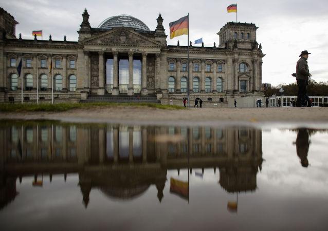 德议员将美国空袭阿富汗等国与巴黎恐怖袭击相提并论
