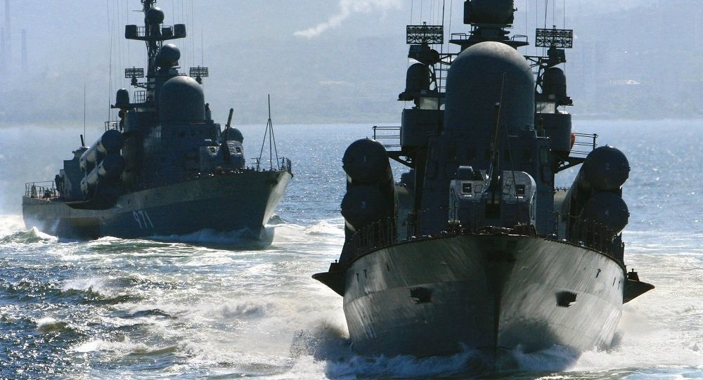 """俄太平洋舰队支队驶出孟加拉湾参加""""因陀罗海军-2016""""演习海上阶段"""
