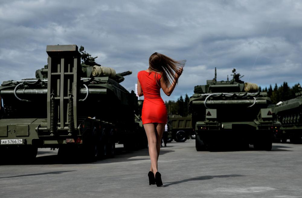 """""""军队-2016""""国际军事技术论坛"""