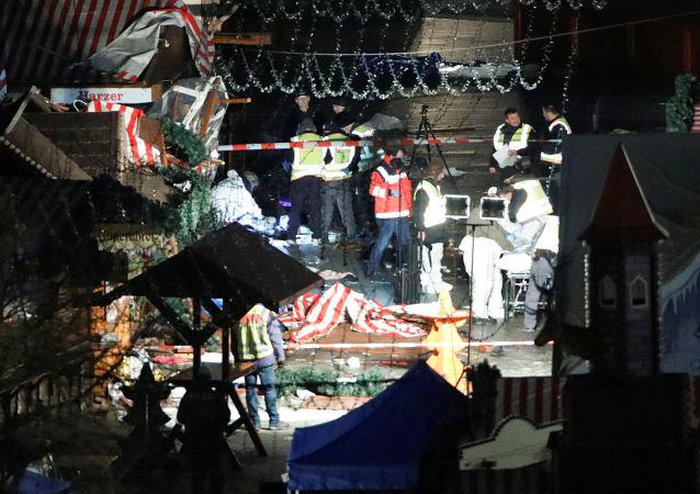 默克尔:柏林圣诞集市袭击者系难民 德国将难以承受