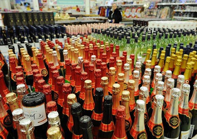 普京责成严格管控酒精类产品生产和流通规则