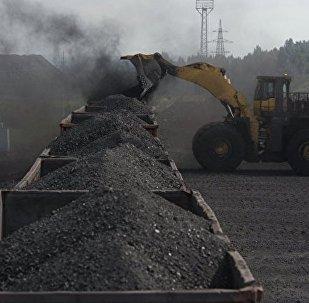 俄检察院正在调查克拉斯诺亚尔斯克附近运煤列车脱轨事故