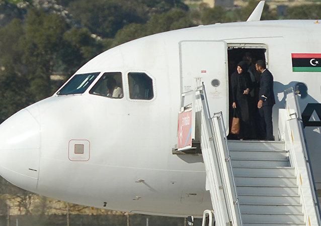 马耳他总理称利比亚飞机的劫机者投降