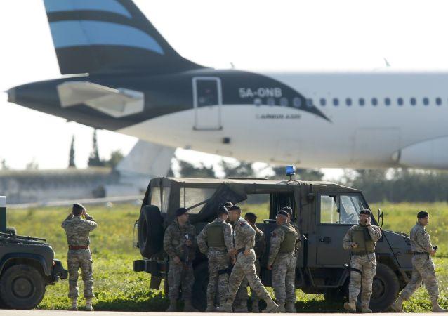 利比亚客机遭劫持:乘客获释,劫持者向当局投诚