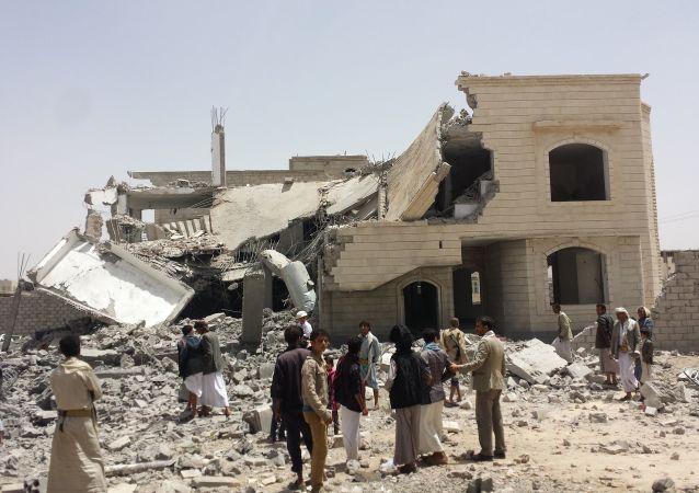 消息:也门中心8名乡村居民在沙特阿拉伯轰炸中死亡