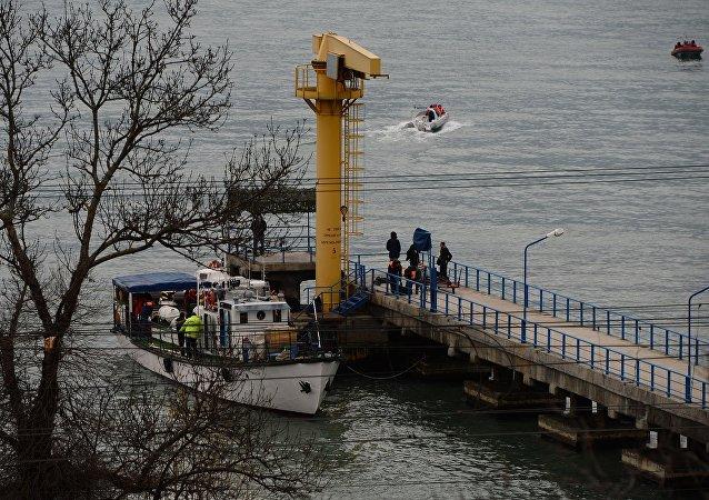 俄国防部: 发现图-154空难遇难者遗体