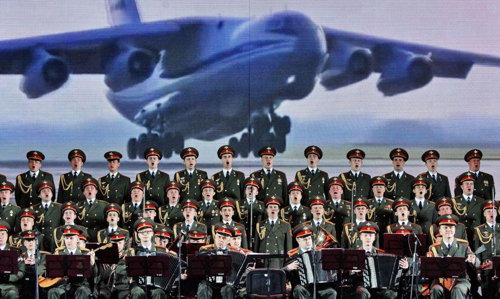 亚历山德罗夫红旗歌舞团在维捷布斯克