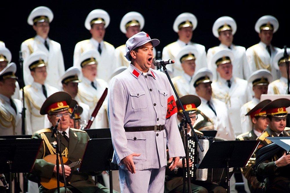 亚历山德罗夫歌舞团在中国巡回演出