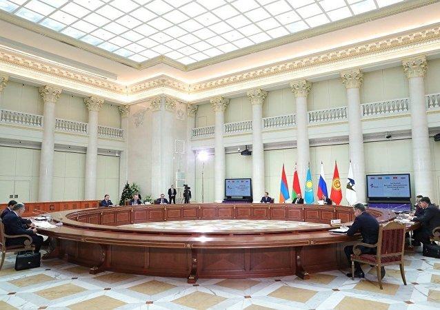 欧亚经济委员会执委会主席:包括吉尔吉斯斯坦在内的欧亚经济联盟国家领导人签署关税法