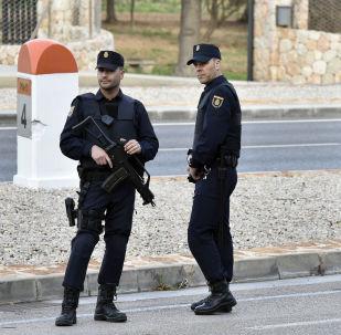 """媒体:巴斯克地区""""埃塔""""恐怖组织宣布最终解除武装"""
