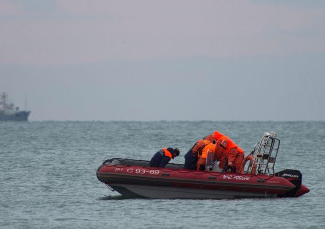 俄国防部:周二早发现失事图-154主要飞行记录仪