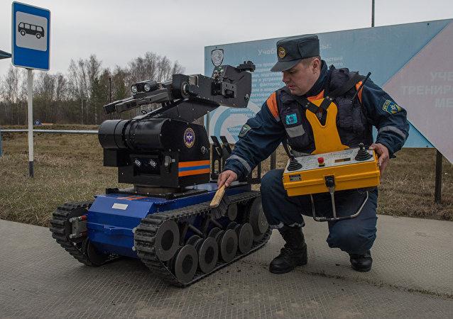 """媒体:俄罗斯紧急情况部获得能""""看见""""辐射的机器人"""