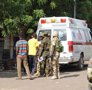 媒体:尼日利亚自杀式袭击者恐袭致至少13死