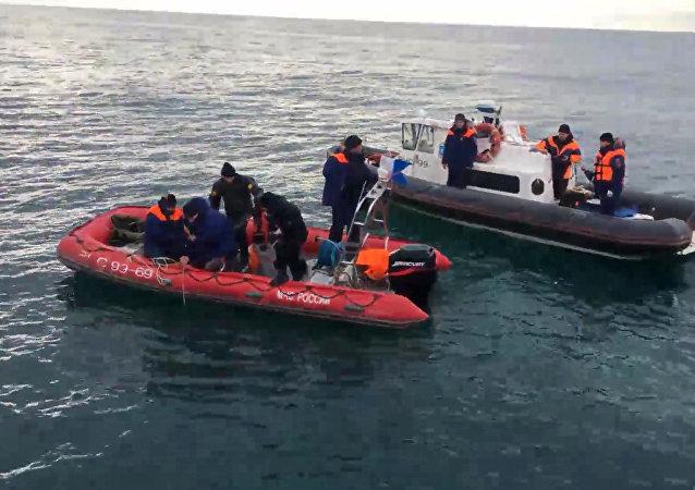 消息人士:又发现3具图-154飞机遇难者遗体 共找到15具遗体
