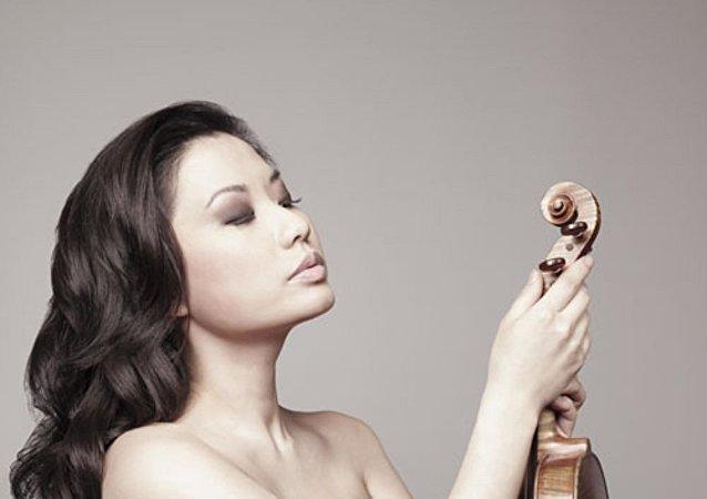 美国著名小提琴演奏家莎拉·张