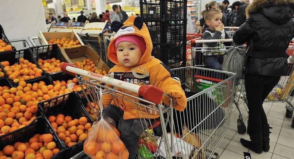 英国专家揭示在超市结账时怎样排队更省时