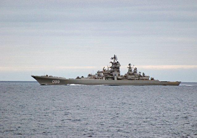 """媒体:伊朗伊斯兰革命卫队称美军舰艇在霍尔木兹海峡的行动是""""不专业的"""""""