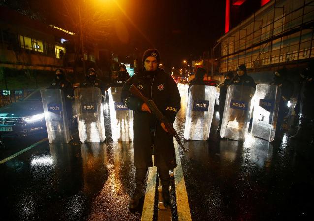 媒体:伊斯坦布尔恐袭实施者将全部现金落在犯罪现场