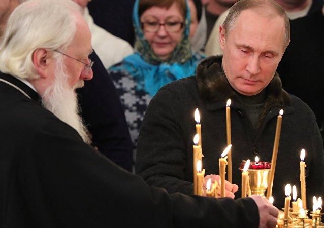 普京向东正教徒祝贺圣诞节