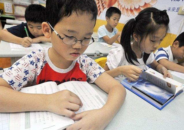 """华媒发文否认中国""""限制进口儿童读物"""""""