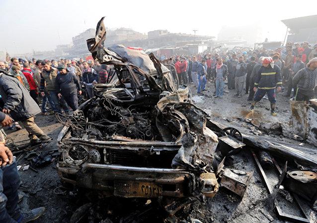 外媒消息称,伊拉克巴格达当天发生第二起恐怖袭击,爆炸导致10人死亡