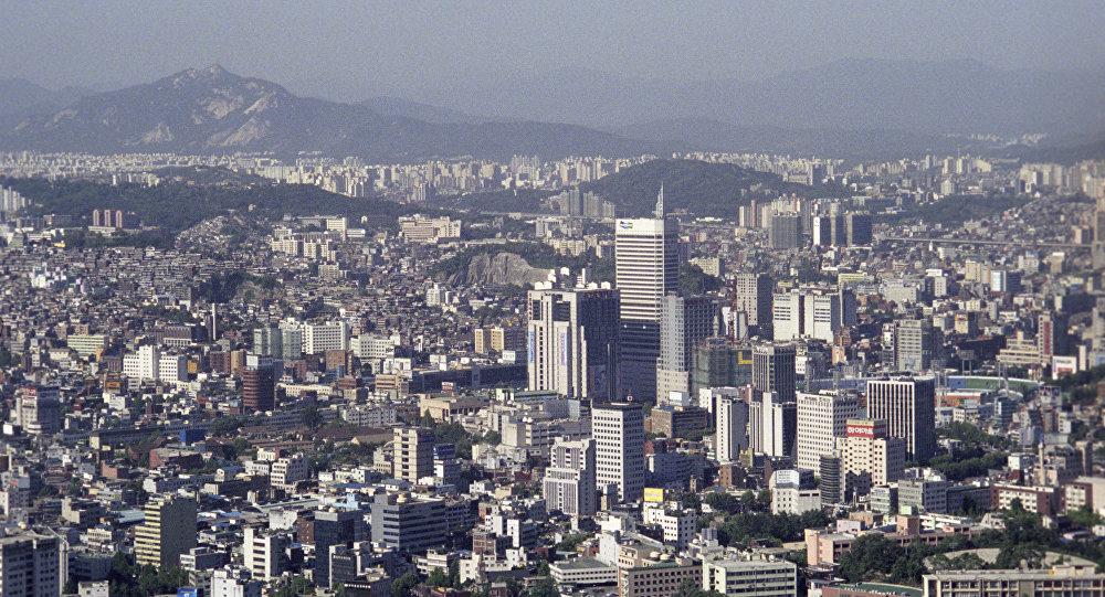 媒体报道称,韩国国防部宣布了美国战略武器参加两国联合军演的计划