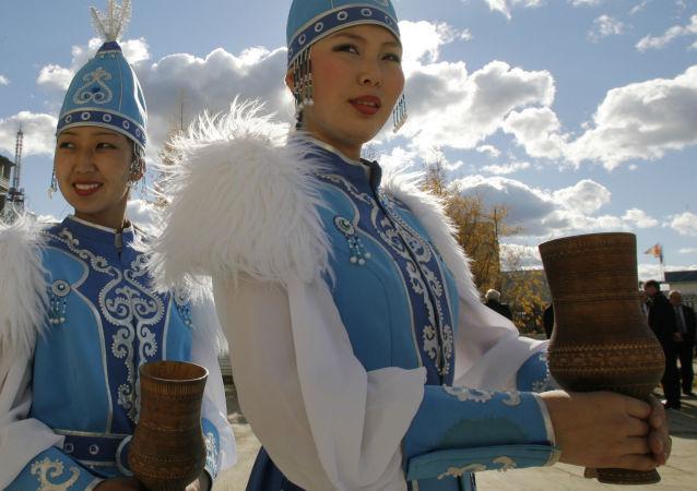 俄雅库特民族服装