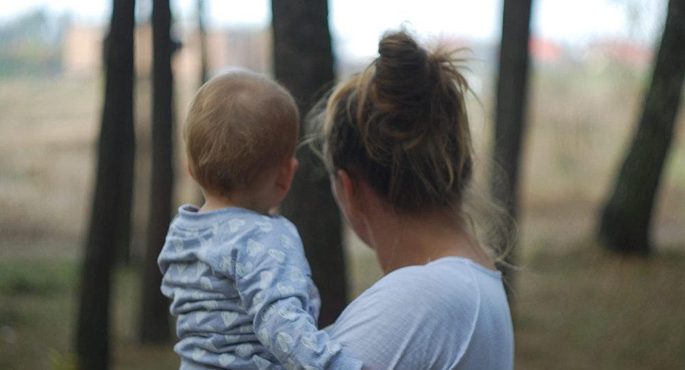 俄科学家揭示为何母亲把孩子抱在左侧 - 上下四方宇的博客 - 上下四方宇的博客