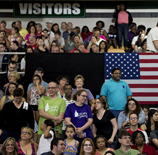 民調:83%的美國人對共產主義持負面態度