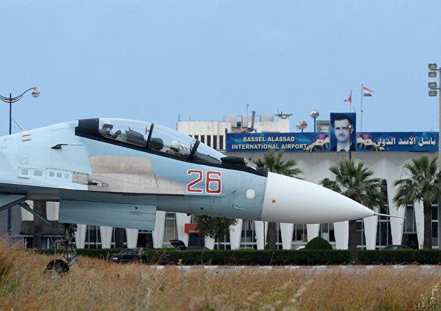 俄国防部就俄美飞机在叙利亚危险接近:飞行员们行事专业