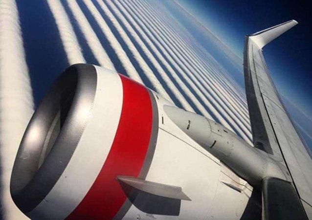澳大利亞客空乘客拍下罕見雲浪
