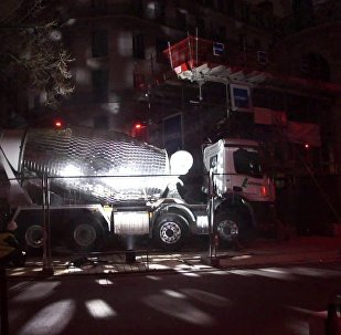 混凝土搅拌机变身巨型迪斯科球